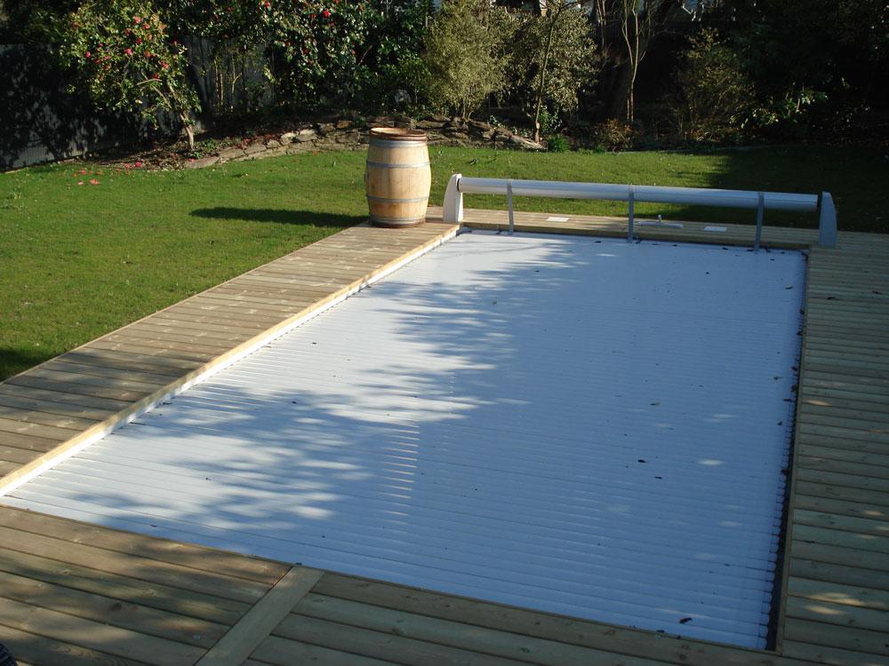 Installation de coque piscine polyester en le et vilaine for Installation piscine