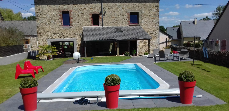 Pose de piscine coque polyester la bazouge des alleux for Piscine mayenne