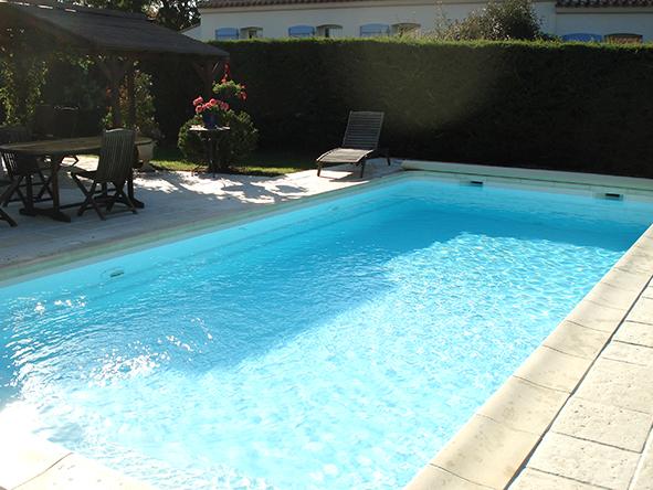 Pose et installation de piscine pornic 44 littoral for Piscine 44