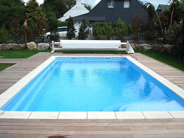 Installation de piscine avec bois exotique ip for Pose piscine coque