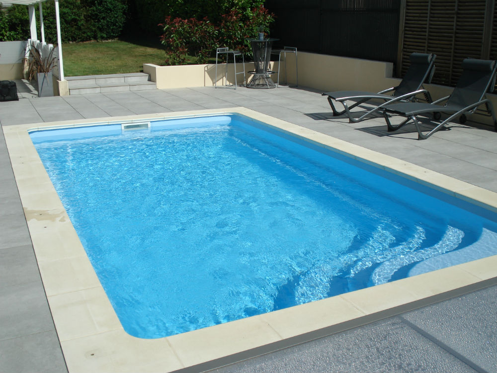 Grutage de piscine saint aubin d aubign 35 littoral for Piscine coque polyester morbihan