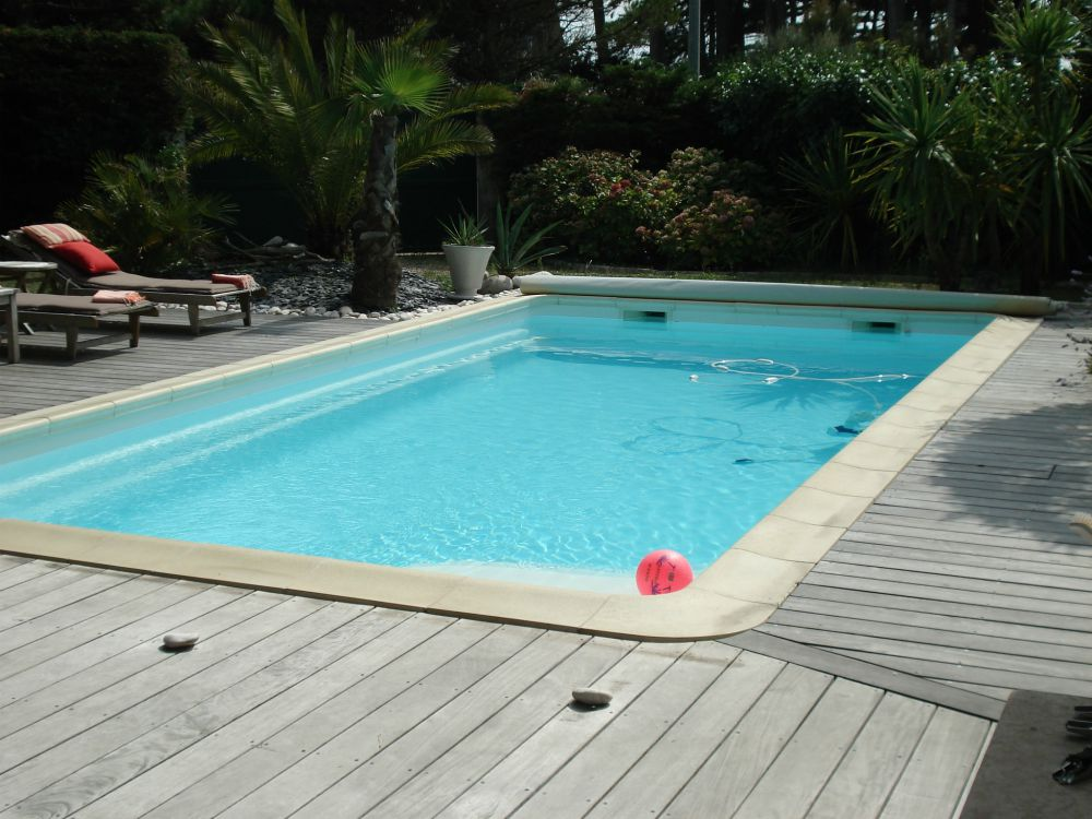 Installation de coque piscine polyester au pouliguen for Pose piscine coque